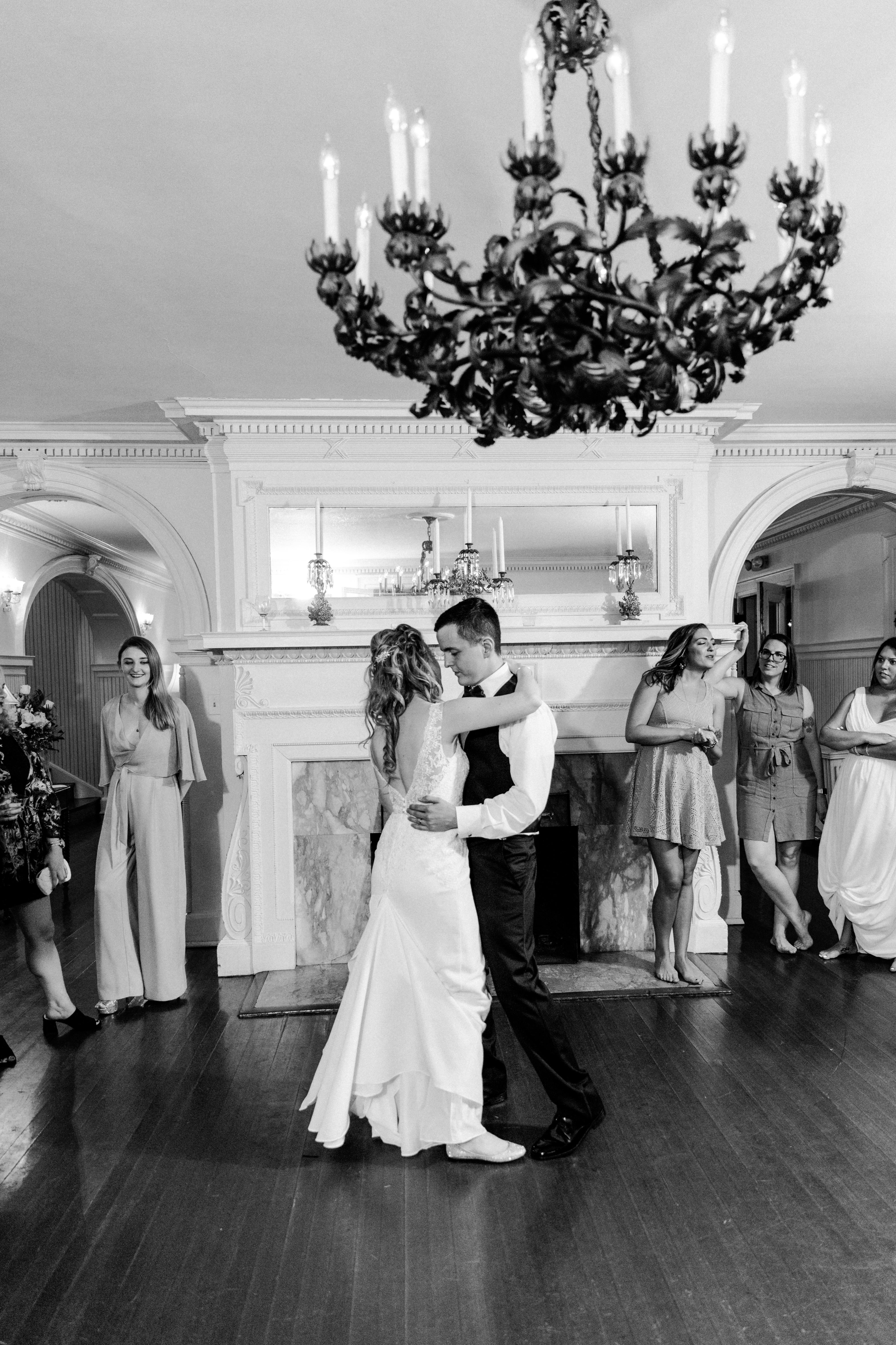 B&W couple dancing
